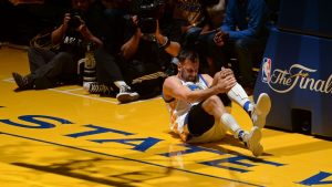 Bogut plays in game for first time since injury