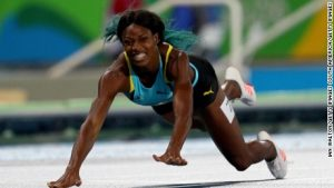 Dramatic finish in women's 400m final