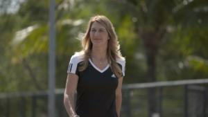 Graf: 'I hope Serena breaks slam record'