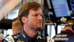 Dale Earnhardt Jr.: Not thinking about NASCAR retirement over concussions