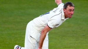 County Championship: Rikki Clarke leads Bears fightback against Tykes at Headingley