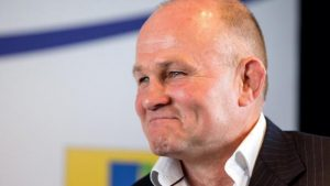 Andy Robinson: Bristol director of rugby signs new contract to 2019