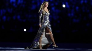 LOOK: Gisele Bundchen walks runway at Rio Olympics opening ceremony