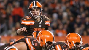 Report: Cowboys eyeing Josh McCown, Browns reluctant to trade QB