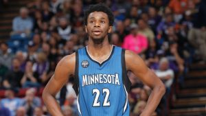 Wiggins attempts 720-degree dunk