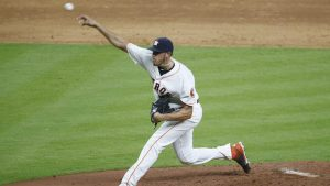Astros rookie wows in big-league debut after McCullers hurts elbow