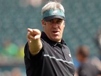 Doug Pederson would join Eagles in teamwide gesture