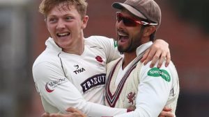 County Championship: Dom Bess boosts Somerset title hopes v Notts