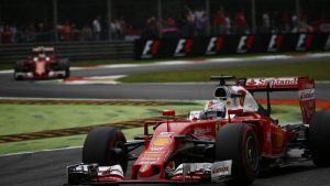 Vettel not denying Paddy Lowe to Ferrari F1 rumors