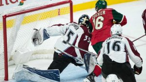 WATCH: Avalanche goalie makes insane behind-the-back glove save against Wild