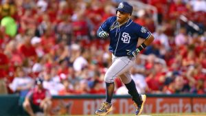 Wife of Padres' Solarte dies after cancer battle