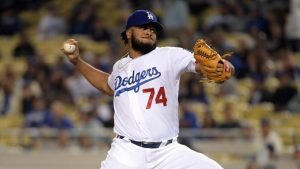 Kenley Jansen foresees a 'tough' FA choice, but the Dodgers have an easy call ahead