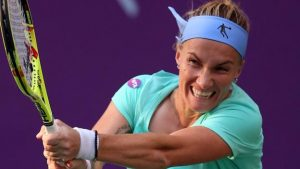 Kuznetsova two wins away from denying Konta Finals spot