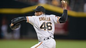 Giants' Casilla laments not being called to mound