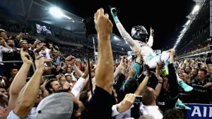 F1: Nico Rosberg wins maiden world title