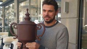 Stan Wawrinka gifted huge chocolate trophy