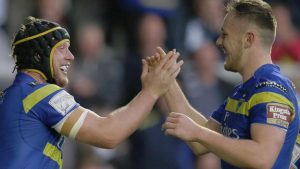 Warrington Wolves: Chris Hill and Ben Currie agree new contracts
