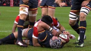 Wales v Japan: Dan Lydiate powers over for Wales' first try