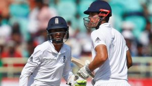 Late wickets dent England hopes in second Test