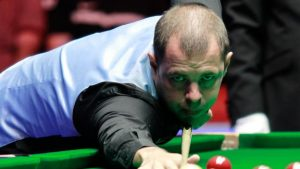 Northern Ireland Open: Barry Hawkins leads Mark King 5-3 in all-English final