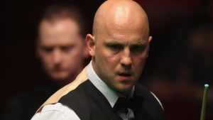 UK Championship: Mark King knocked out of first round after forgetting cue
