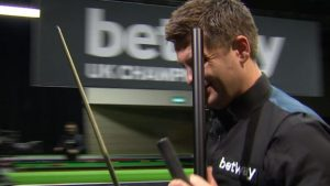 UK Championship 2016: Ryan Day pots white to lose decider to Mark Allen