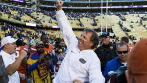 McElwain, Mullen among six candidates to replace Mark Helfrich at Oregon