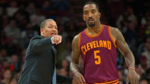 Cavs' Smith needs surgery on fractured thumb