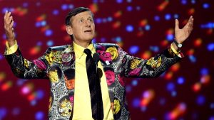 Sager memorial: Laughs, tears, flashy attire