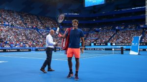 Thousands flock to watch Federer practice