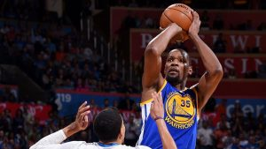 Durant's mom: Fans said 'vicious things' in OKC