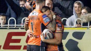 Super League: Castleford Tigers' Greg Eden's 'sensational' try against Leeds Rhinos
