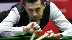 Selby takes narrow lead over Williams in China Open final
