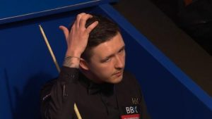 World Championship 2017: Kyren Wilson makes bad decision v John Higgins