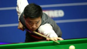Ding edges ahead of Selby in World Championship semi-final