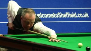 Higgins two clear of Hawkins in semi-final