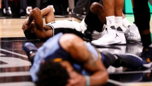 With likely playoff matchup ahead, Spurs top Grizzlies in a snoozer