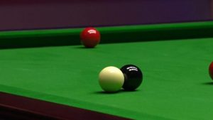 World Championship: Black-ball mystery costs Mark Selby frame v John Higgins