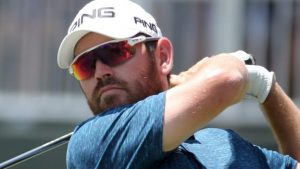 Oosthuizen in share of lead as McIlroy struggles with back