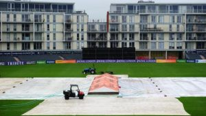 Surrey through in One-Day Cup after rain-affected day