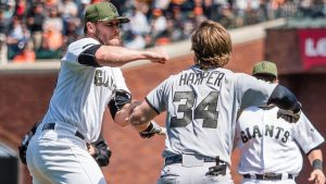 Nats-Giants brawl: Nationals back Harper, say Strickland's actions were 'uncalled for'