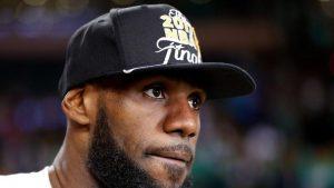 LeBron James on Jordan: 'I didn't go bald like Mike, but I'm getting there'