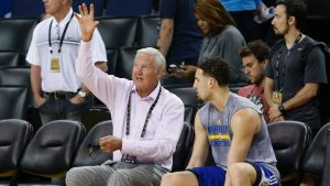 Sources: Clippers eye pursuit of Jerry West