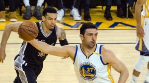 Spurs-Warriors: Zaza Pachulia leaves Game 2 with heel injury, to have MRI Wednesday