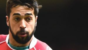 Gareth Owen: Leicester Tigers to sign centre after Scarlets departure