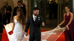 Messi prepares to marry his childhood sweetheart