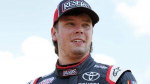 Erik Jones to replace Matt Kenseth at Joe Gibbs Racing for 2018 NASCAR season