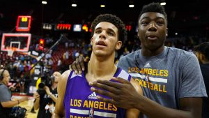 Lonzo Ball sports Curry's shoes, helps Lakers into Vegas summer league semis