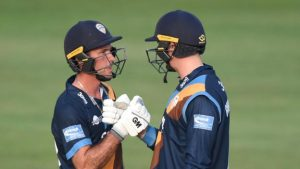 T20 Blast: Derbyshire move to top of the North Group with win over Yorkshire