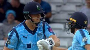 T20 Blast: Tom Kohler-Cadmore smashes second ball of innings for six